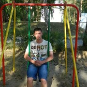 Денис, 35, г.Винзили