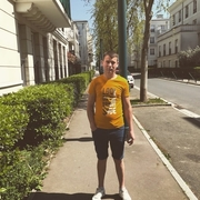igor, 21, г.Париж