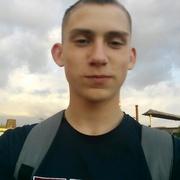 Александр, 21, г.Цюрупинск