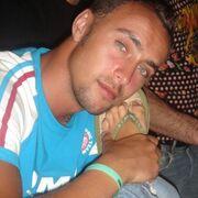 Leon, 35