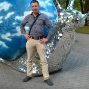 Александр, 40, г.Рига