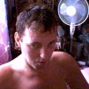 Толя, 33