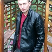 александр, 31, г.Цивильск