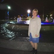 Аленка, 42, г.Ялта
