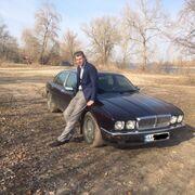 James, 26, г.Киев