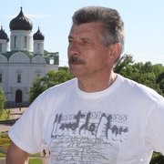 Николай, 64, г.Павловск